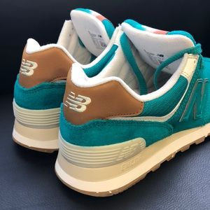 Women Size 7.5 New Balance 574 Teal Running Shoes